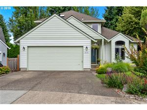 Photo of 14579 SW 148TH PL, Tigard, OR 97224 (MLS # 19158085)