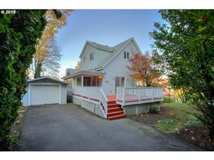 Photo of 3833 SW VIEW POINT TER, Portland, OR 97239 (MLS # 19527086)
