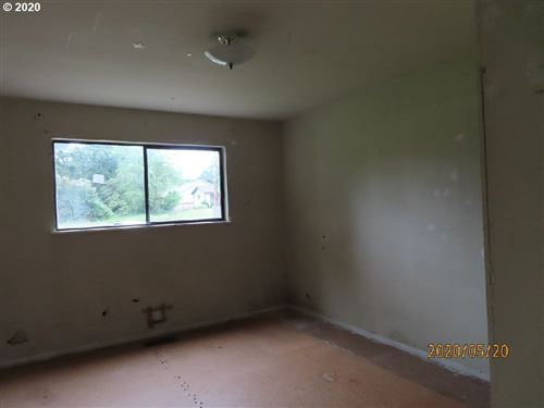 Tiny photo for 406 S 12TH ST, St. Helens, OR 97051 (MLS # 20196088)