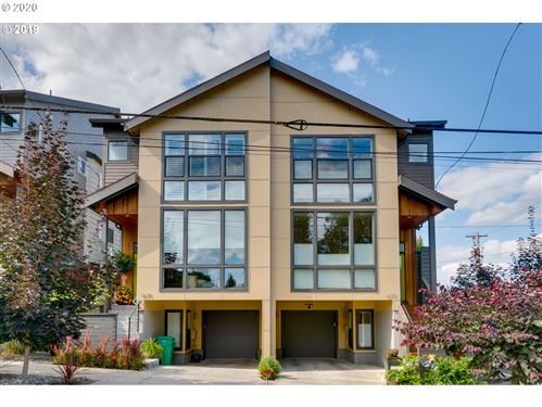 Photo of 1677 SE KNIGHT ST, Portland, OR 97202 (MLS # 20560091)