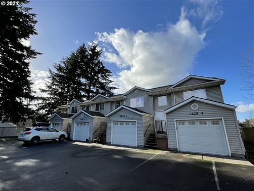 Photo of 1229 SE 130TH AVE, Portland, OR 97233 (MLS # 21382092)
