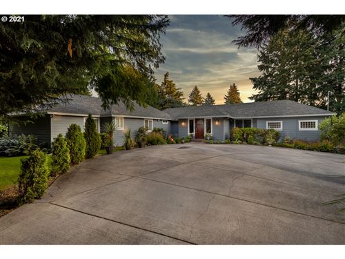 Photo of 1410 NE MARINE DR, Portland, OR 97211 (MLS # 21106093)
