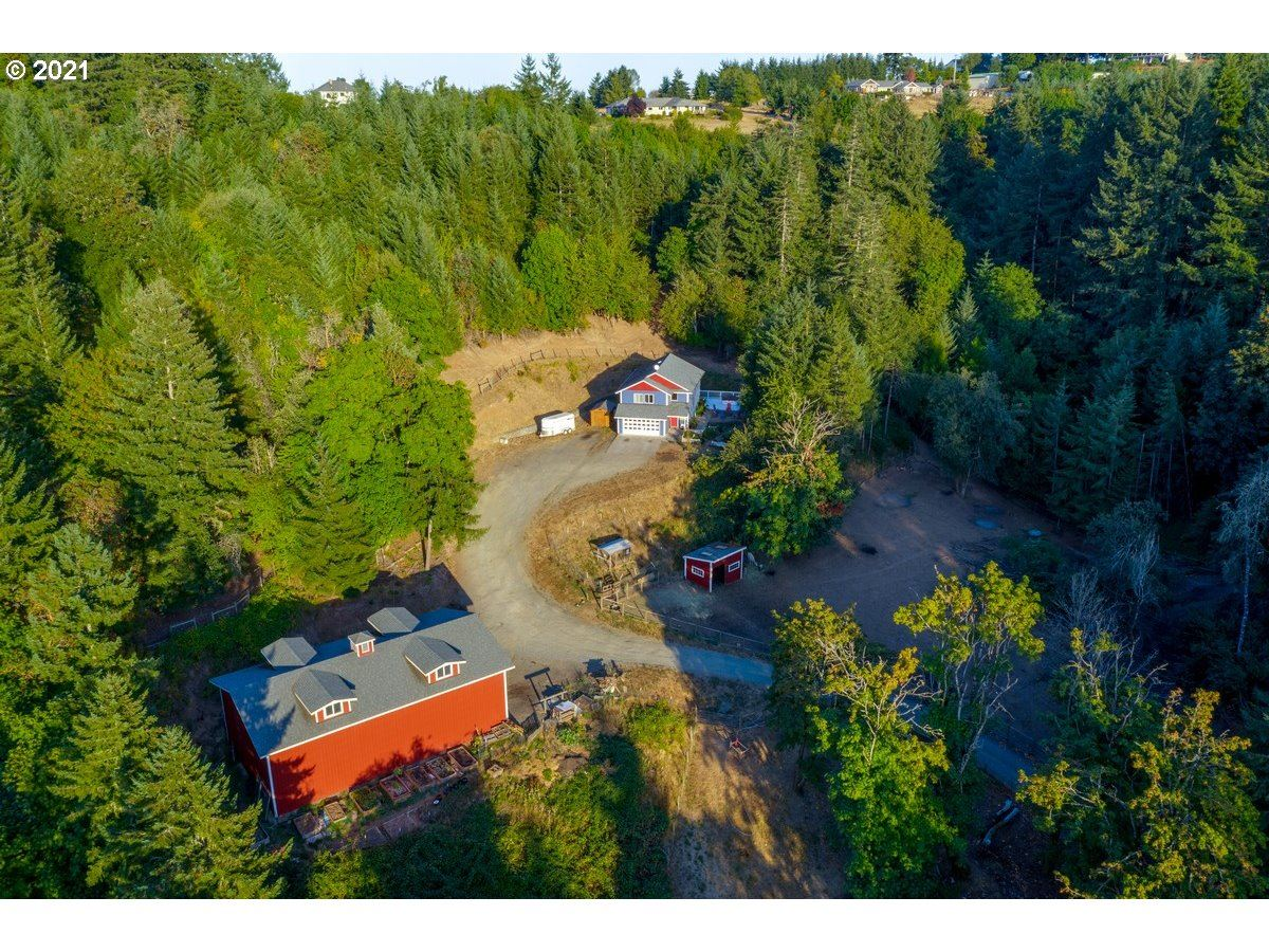 Photo of 22705 SE ROYAL ANNE DR, Amity, OR 97101 (MLS # 21307093)