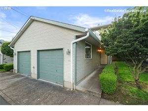 Photo of 12044 SE BUSH ST, Portland, OR 97266 (MLS # 19577097)