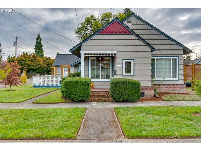 Photo of 1134 NE Hembree ST, McMinnville, OR 97128 (MLS # 21578098)