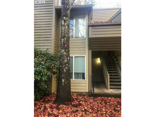 Photo of 650 SW MEADOW DR #214, Beaverton, OR 97006 (MLS # 19343102)