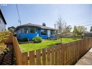 Photo of 810 NE 77TH AVE, Portland, OR 97213 (MLS # 19658102)