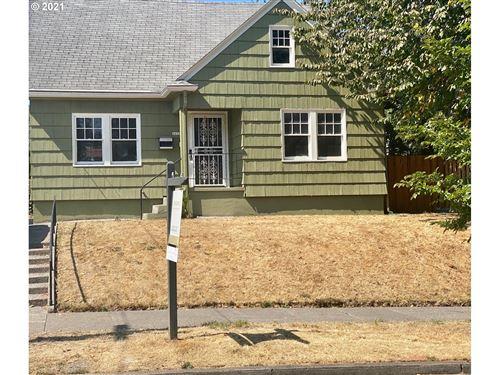 Photo of 2633 NE 8TH AVE, Portland, OR 97212 (MLS # 21499102)
