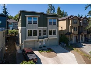 Photo of 1307 LINCOLN ST, Hood River, OR 97031 (MLS # 18565106)