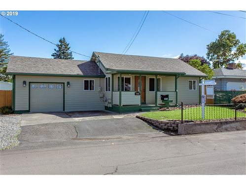 Photo of 7010 SE 70TH AVE, Portland, OR 97206 (MLS # 19565108)