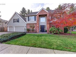 Photo of 21625 SW 100TH DR, Tualatin, OR 97062 (MLS # 19476109)