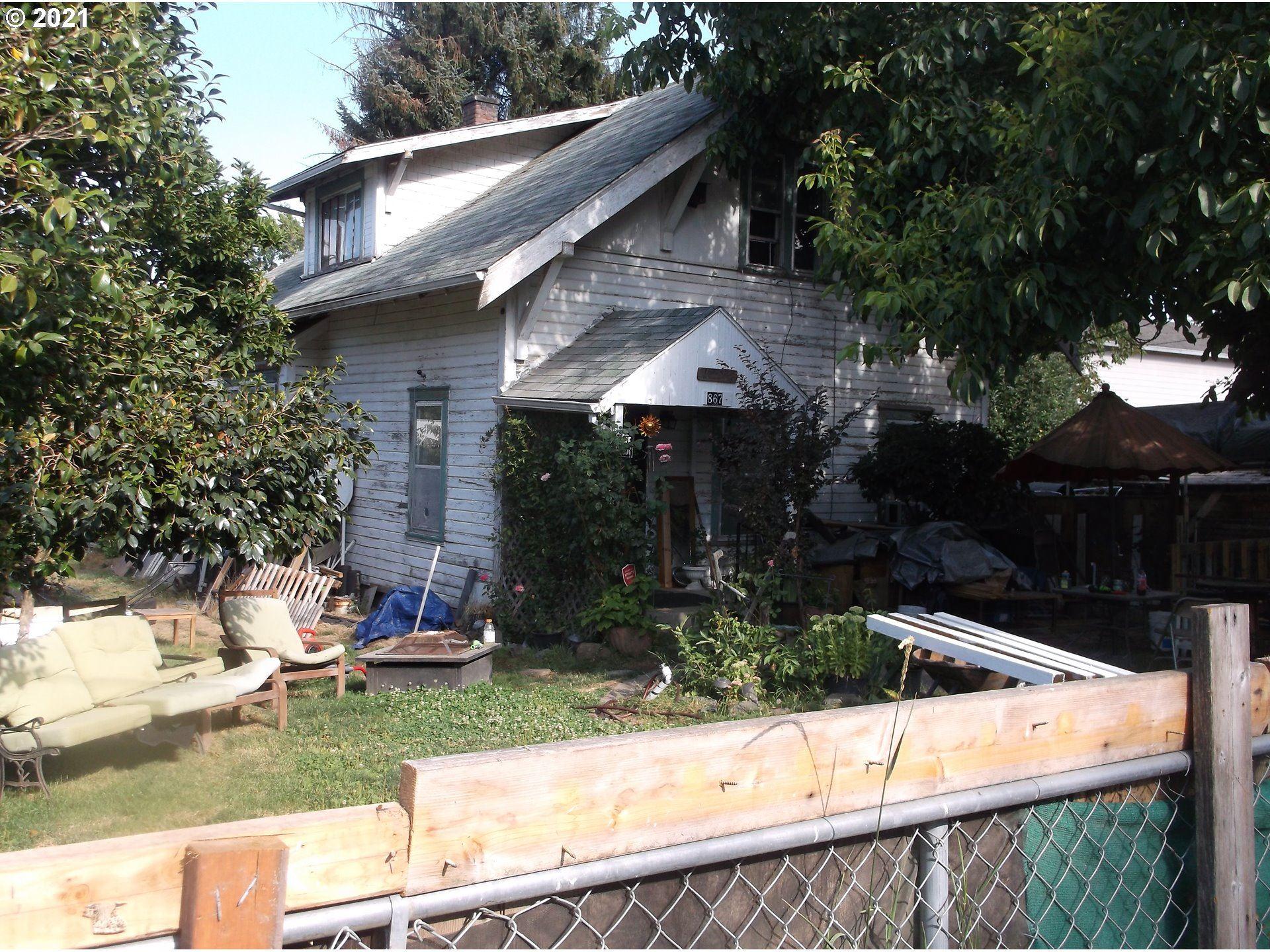 Photo of 867 BRIDGE ST, Lafayette, OR 97127 (MLS # 21092109)
