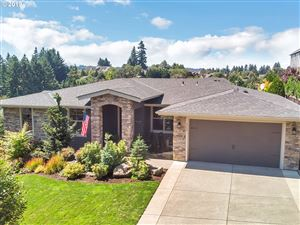 Photo of 3126 COEUR D ALENE DR, West Linn, OR 97068 (MLS # 19014110)