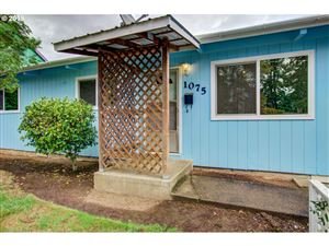 Photo of 1075 COLUMBIA AVE, Gladstone, OR 97027 (MLS # 19078110)