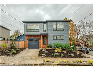 Photo of 7077 NE 7TH AVE NE, Portland, OR 97211 (MLS # 19030111)