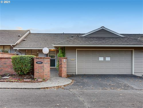 Photo of 16917 SW MONTEREY LN, King City, OR 97224 (MLS # 21062113)