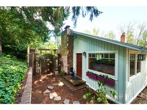 Photo of 5178 LOWER DR, Lake Oswego, OR 97035 (MLS # 19153115)