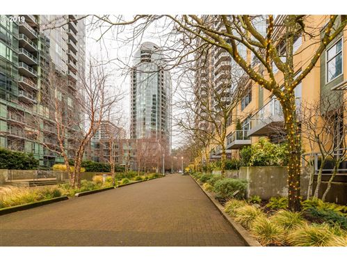Photo of 3601 SW RIVER PKWY #2202, Portland, OR 97239 (MLS # 19614115)