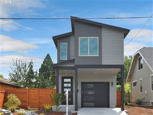 Photo of 776 NE HOLLAND ST, Portland, OR 97211 (MLS # 19460116)