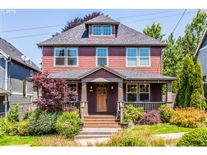Photo of 3917 SE MARTINS ST, Portland, OR 97202 (MLS # 19320120)