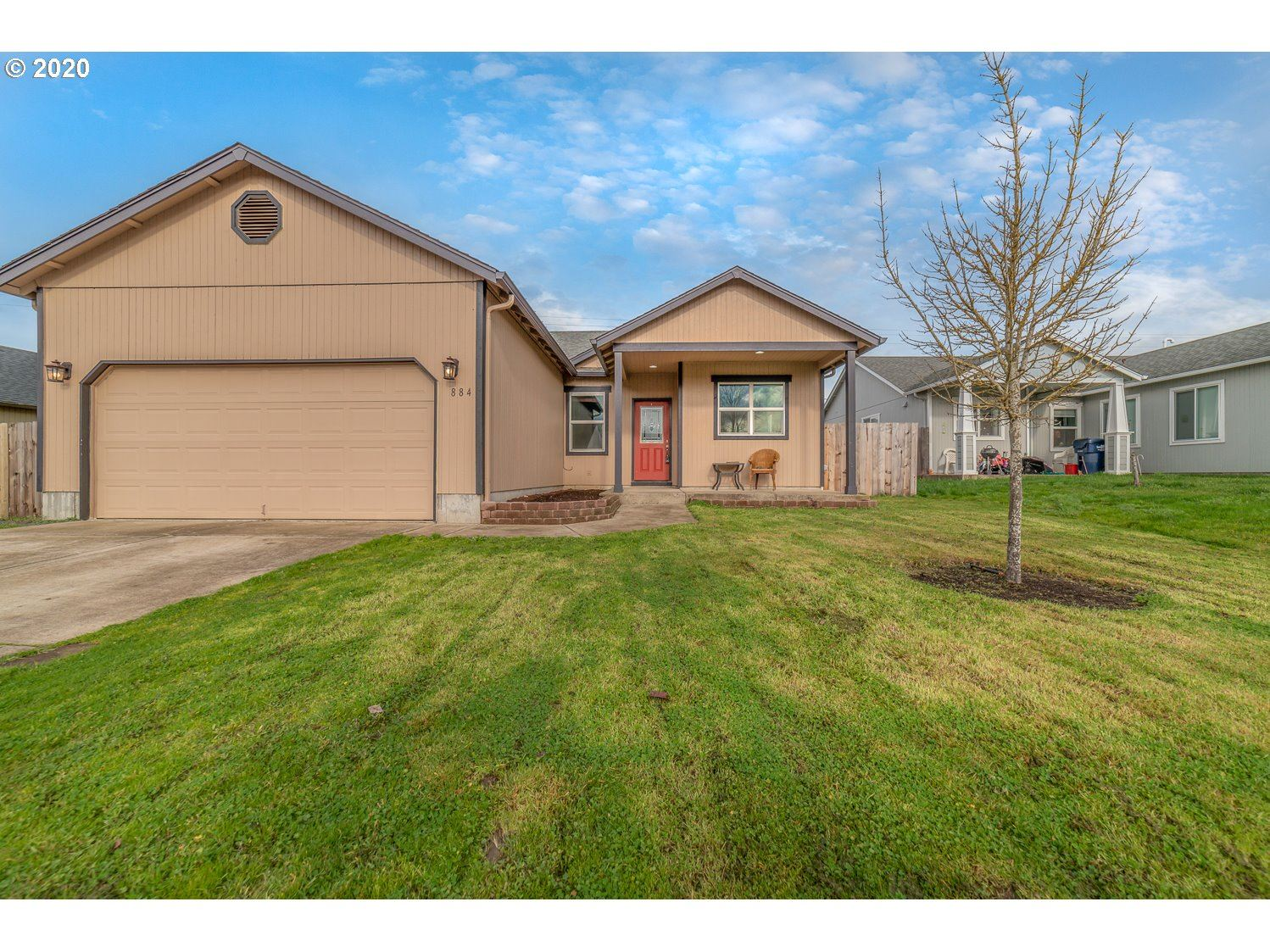 Photo for 884 OSPREY LOOP, Creswell, OR 97426 (MLS # 20517120)