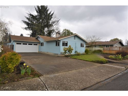 Photo of 422 NW 20TH ST, McMinnville, OR 97128 (MLS # 20004121)