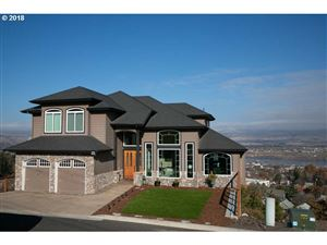Photo of 323 E SCENIC DR, The Dalles, OR 97058 (MLS # 18148122)