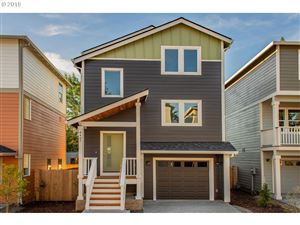 Photo of 6407 SE 134TH AVE, Portland, OR 97236 (MLS # 19044122)
