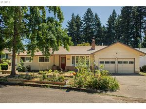 Photo of 5436 SE WOODHAVEN ST, Milwaukie, OR 97222 (MLS # 19249122)