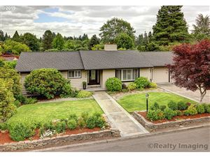 Photo of 7880 SW WESTGATE WAY, Portland, OR 97225 (MLS # 19303123)