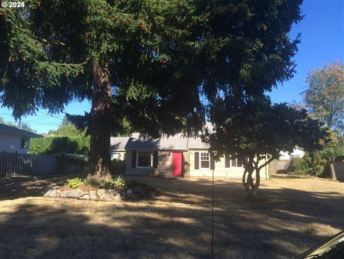 Photo of 2036 SE Waldrupe, Portland, OR 97216 (MLS # 21413125)
