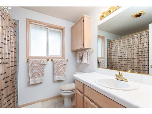 Tiny photo for 8358 SW DEEANN CT, Tigard, OR 97224 (MLS # 20203127)