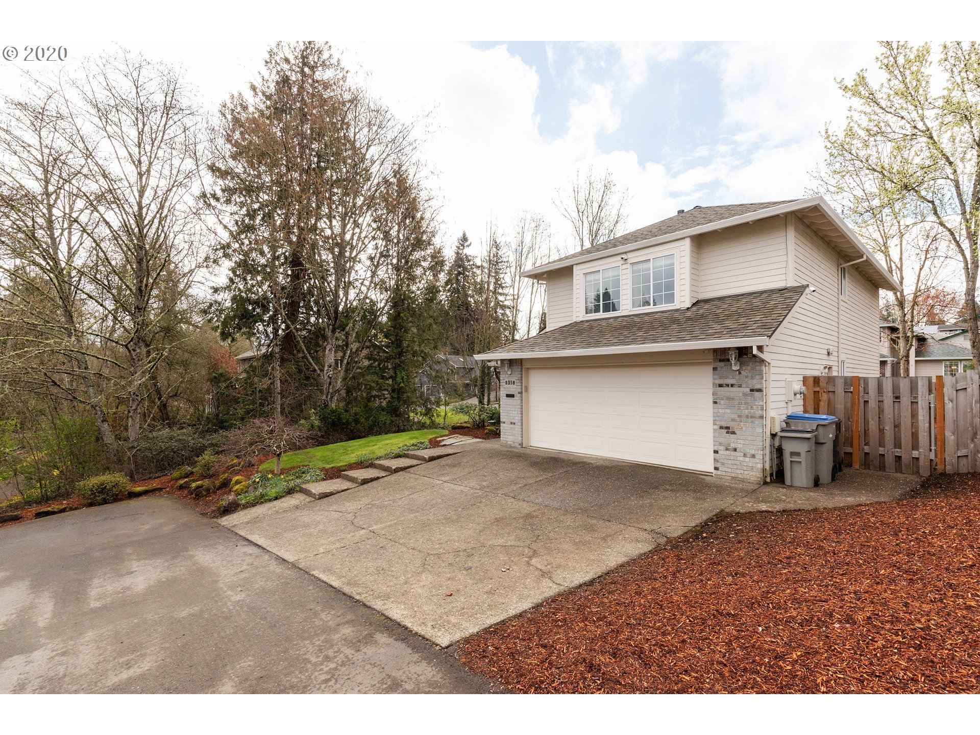 Photo for 8358 SW DEEANN CT, Tigard, OR 97224 (MLS # 20203127)