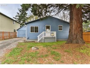 Photo of 6837 SE FIR AVE, Portland, OR 97206 (MLS # 19170132)