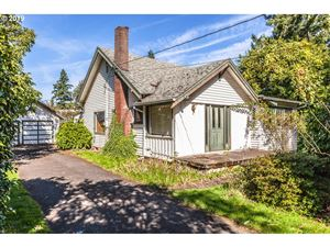 Photo of 6035 SE TENINO ST, Portland, OR 97206 (MLS # 19357133)