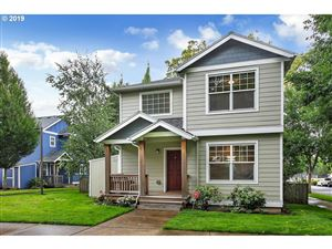 Photo of 8937 N DWIGHT AVE, Portland, OR 97203 (MLS # 19433133)