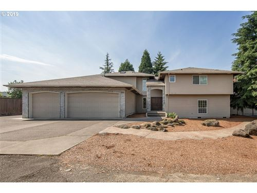 Photo of 490 SW 173RD AVE, Beaverton, OR 97006 (MLS # 19294134)