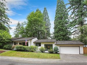 Photo of 14201 DOLPH CT, Lake Oswego, OR 97034 (MLS # 19432137)
