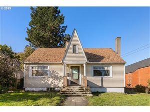 Photo of 3025 SE CESAR E CHAVEZ BLVD, Portland, OR 97202 (MLS # 19229139)