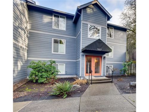 Photo of 7937 SW 40TH AVE #L, Portland, OR 97219 (MLS # 19333139)