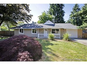 Photo of 1545 SE 143 AVE, Portland, OR 97233 (MLS # 19647140)
