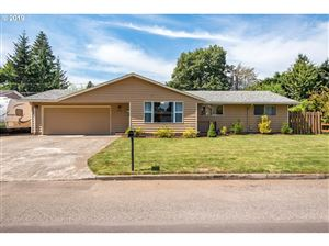 Photo of 2741 SE 154TH AVE, Portland, OR 97236 (MLS # 19296141)