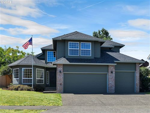 Photo of 22785 SW 87TH PL, Tualatin, OR 97062 (MLS # 19350141)