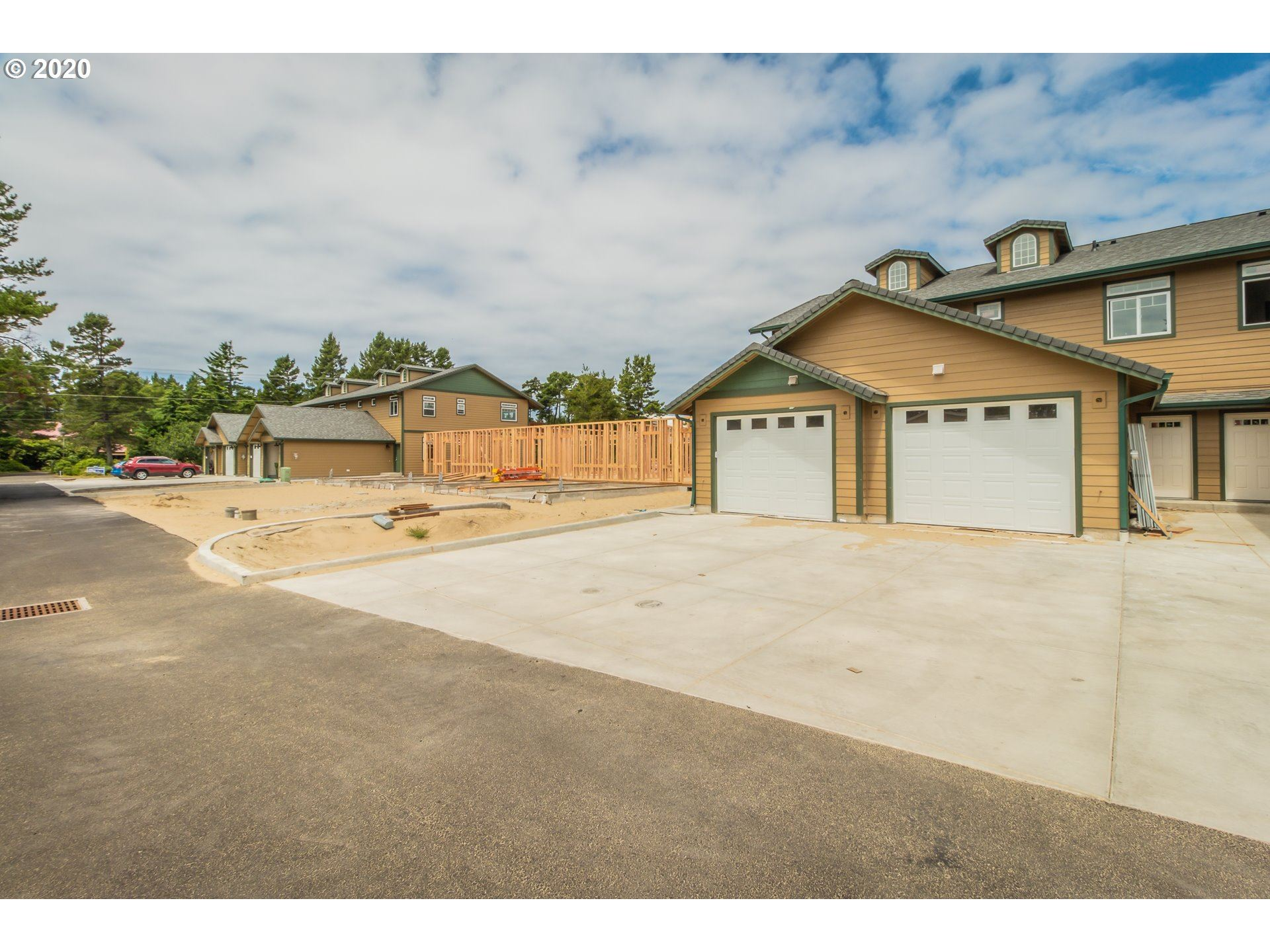 1690 32ND ST, Florence, OR 97439 - MLS#: 20480142