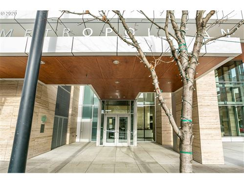 Photo of 1001 NW LOVEJOY ST #1310, Portland, OR 97209 (MLS # 20160143)