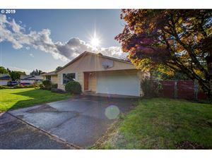 Photo of 3011 SE 179TH AVE, Portland, OR 97236 (MLS # 19049144)