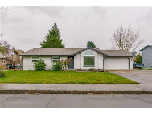 Photo of 1220 SW GOUCHER ST, McMinnville, OR 97128 (MLS # 20109144)