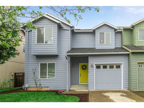 Photo of 6718 SE 136TH AVE, Portland, OR 97236 (MLS # 20178144)
