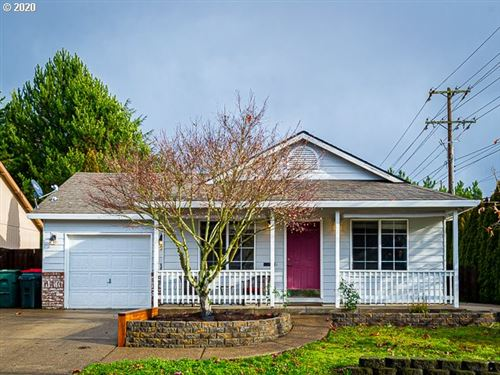 Photo of 220 NW COUNTRY CT, McMinnville, OR 97128 (MLS # 20433144)