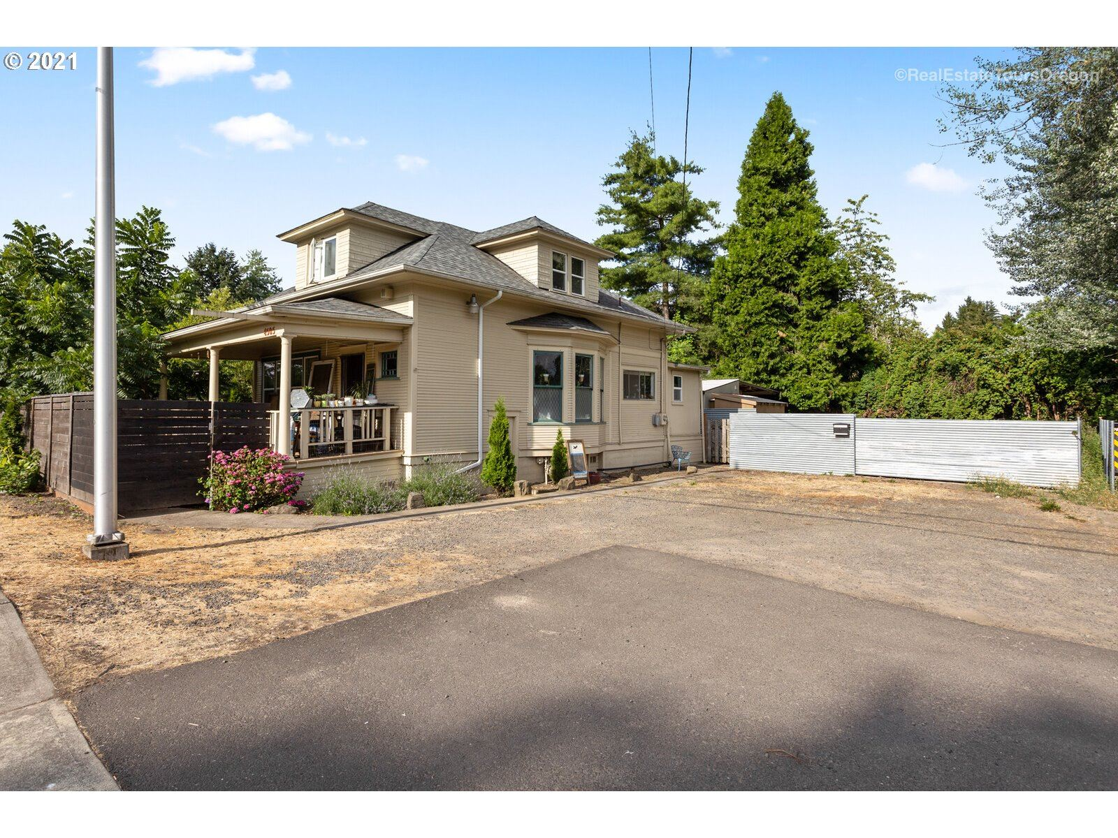 Photo of 4505 SW 185TH AVE, Aloha, OR 97078 (MLS # 21020144)
